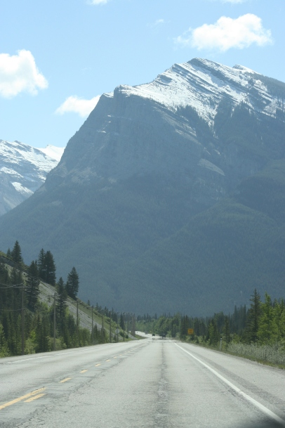 coming-into-canmore-ab
