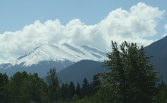 snow-on-the-peaks-of-the-mountains-in-canmore-ab